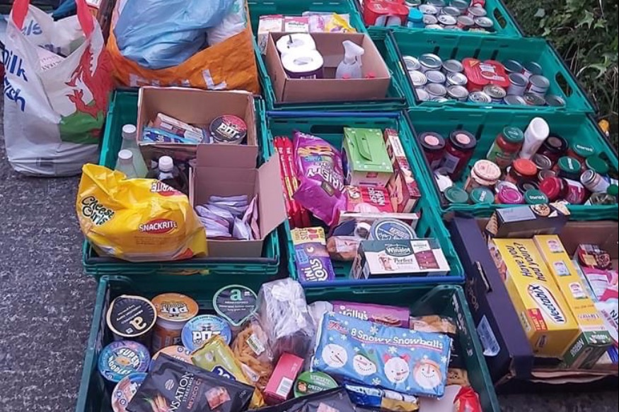 Kind Bay's Tins on the Doorstep gives the community a boost